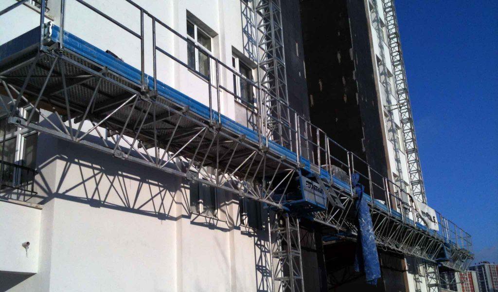 داربست آسانسوری متحرک